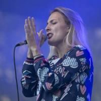 LIVE: Mariánské léto: Pilarka ševelila, Barbora Poláková i Marek Ztracený jsou stále nafrnění