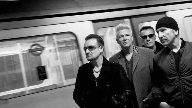 RECENZE: U2 vrátili Pařížanům radost