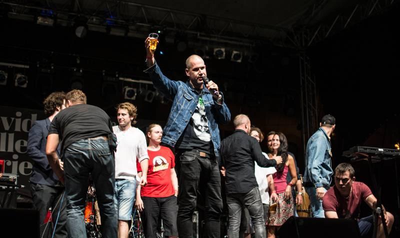 RECENZE: David Koller & Friends - Modrý Mauricius pro hudební sběratele