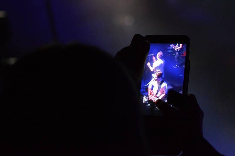 LIVE: Slza v Praze ukočírovala organizační i technické problémy, děti jásaly