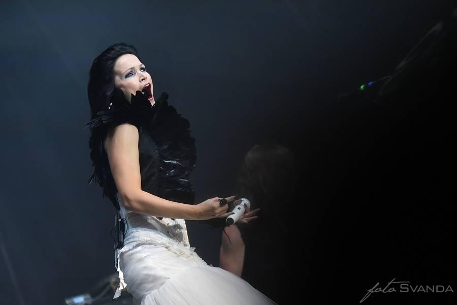 RECENZE: Tarja se drží teorie, že pokrok nelze zastavit. Na The Shadow Self zpívá i předělávku Muse