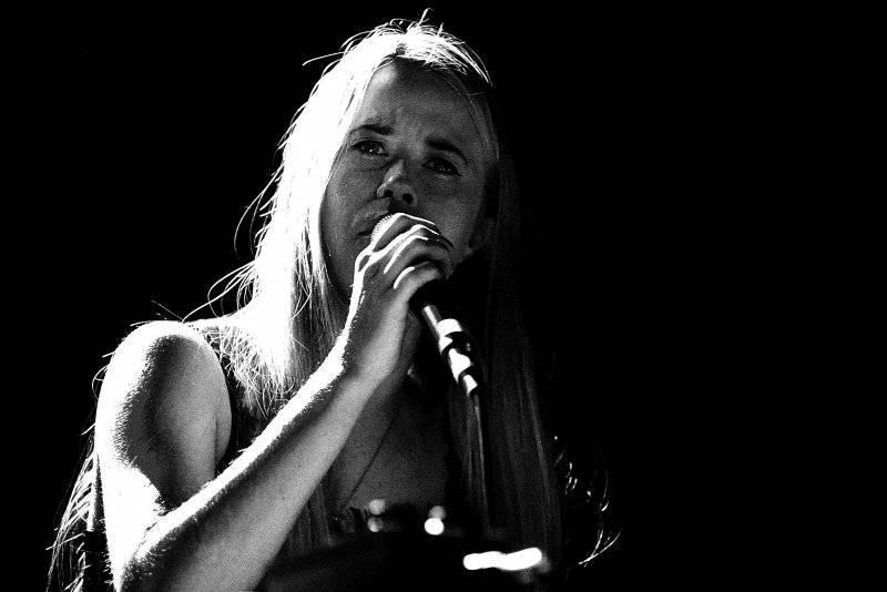 LIVE: Swans v Praze: labutí píseň z hrdla dravce