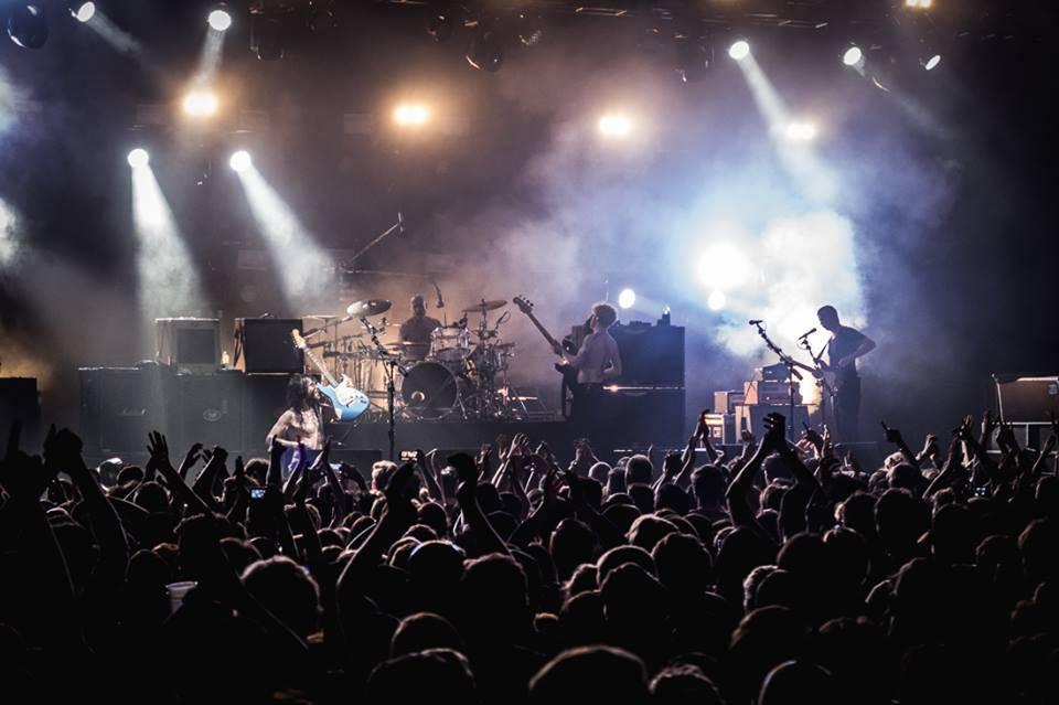LIVE: Biffy Clyro ve Vídni: Zvířecí styl plný emocí až na dřeň