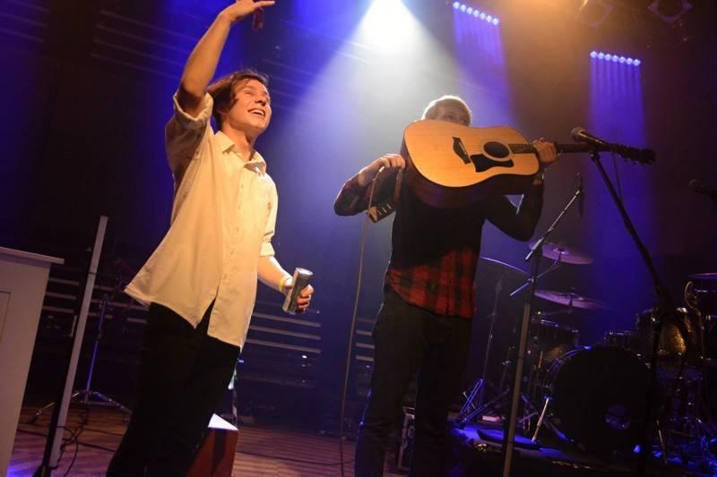 LIVE: Lenny v Praze završila turné, z jejího chrapláku mrazilo