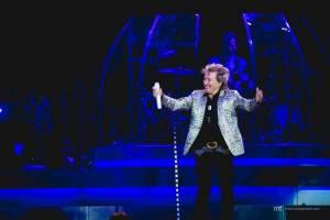 LIVE: Rod Stewart proměnil hokejovou arénu ve fotbalový stadion