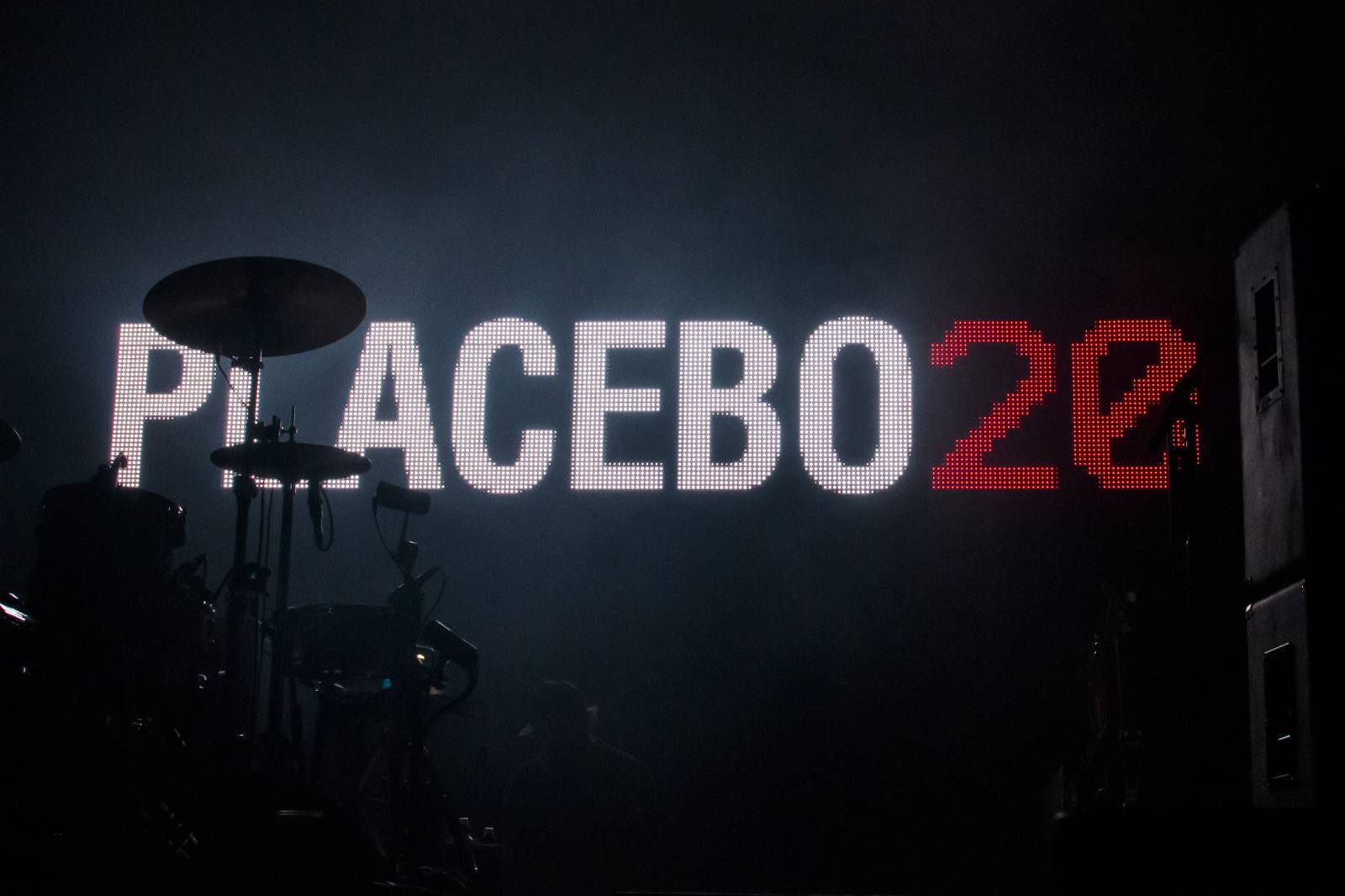 LIVE: Placebo v Praze léčili emocemi - hlasitě a sugestivně