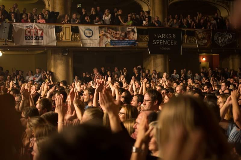 LIVE: Jelen opanoval vyprodanou Lucernu, ovace fanoušků nebraly konce