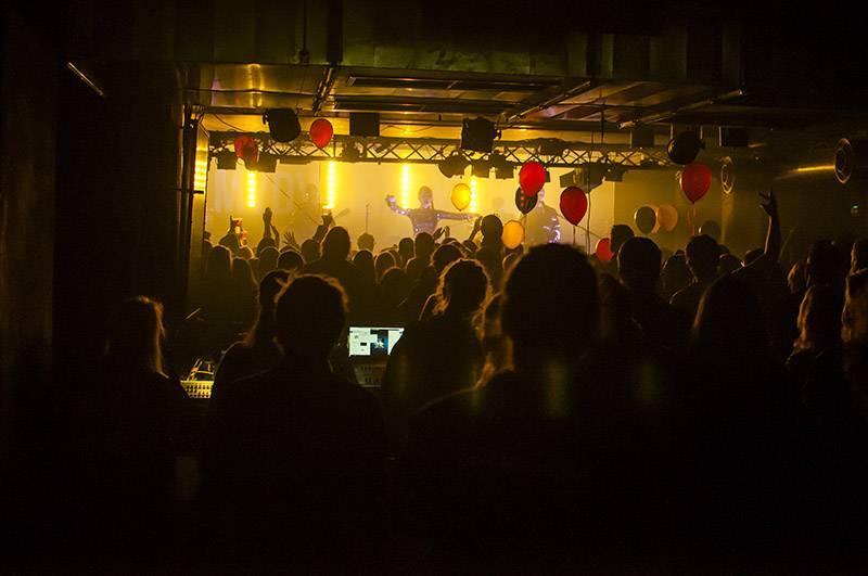 LIVE: Mydy Rabycad a Marimba Live Drums popřáli Rock Café k narozeninám