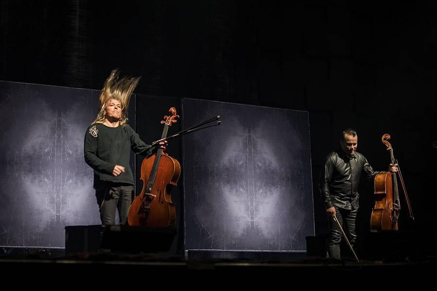 LIVE: Apocalyptica naživo přehrála svoji nejúspěšnější desku, Forem Karlín zněla Metallica