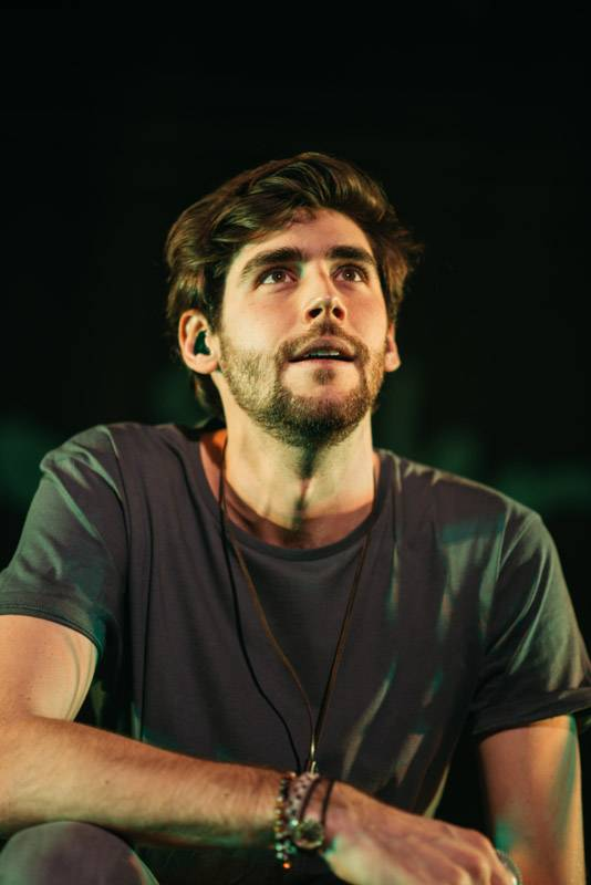 LIVE: Alvaro Soler prozářil Forum Karlín španělským sluncem