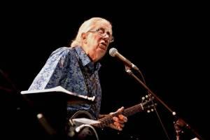 LIVE: John Mayall zpívá a hraje výborně i v třiaosmdesáti