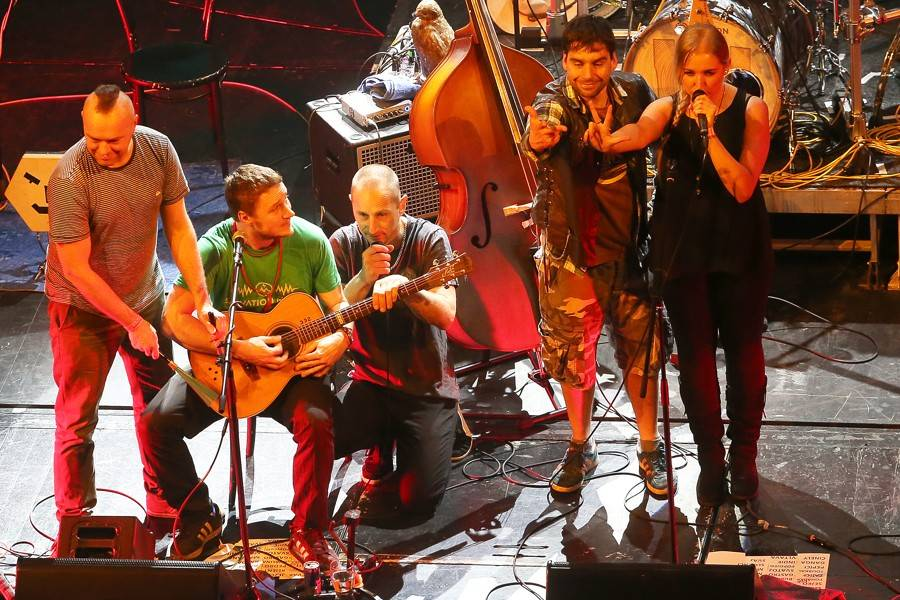 LIVE: Wohnout zahráli v prvním elektrifikovaném divadle v Evropě... akusticky