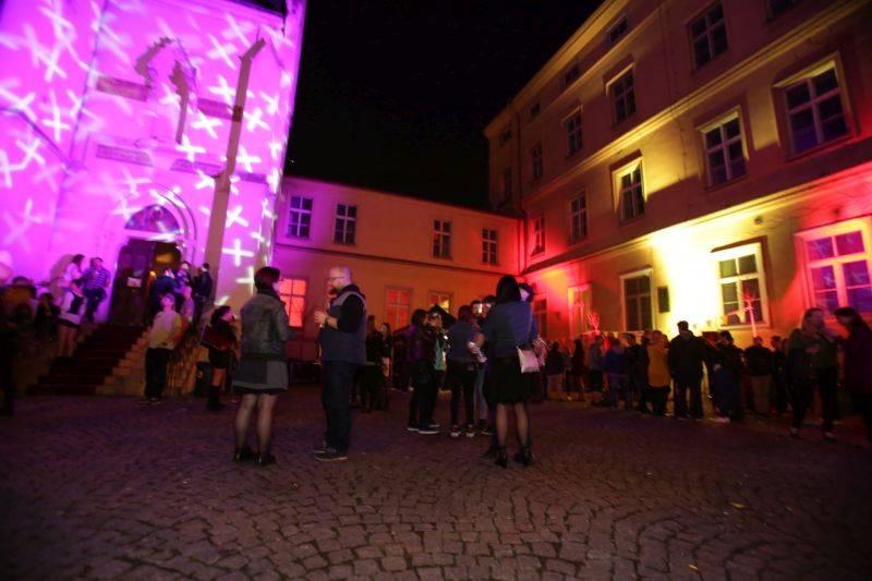 LIVE: Balkan Bashavel - Když Pražáci tančí v kostele
