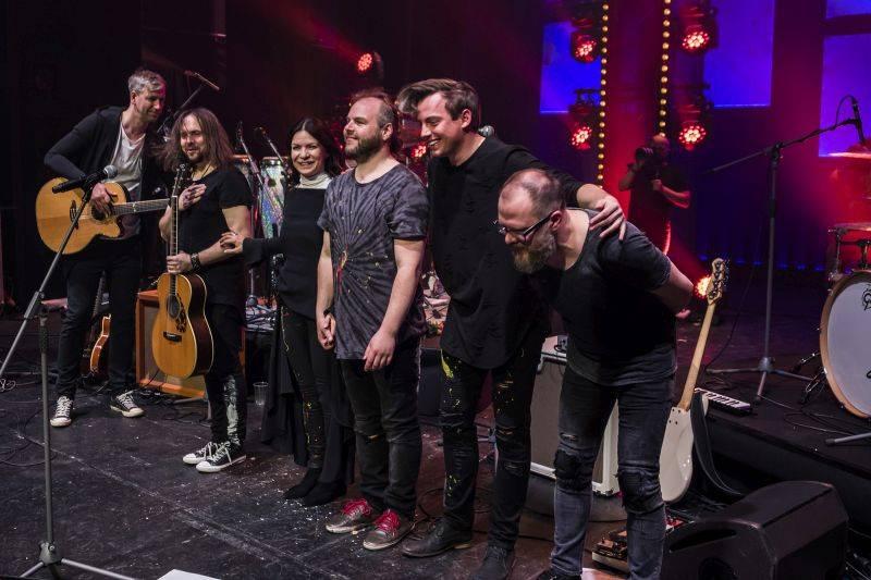 LIVE: Anna K. rozsvítila vyprodanou Hybernii, album jí pokřtili Zdeněk Svěrák a Jaroslav Uhlíř