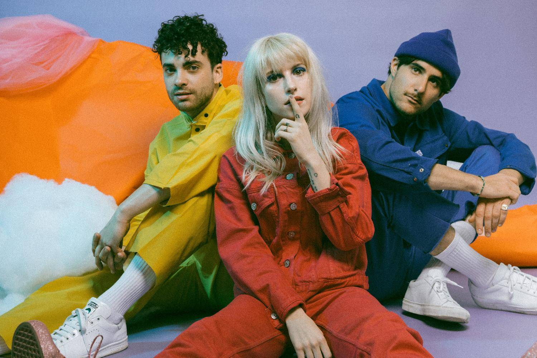 RECENZE: Paramore zanevřeli na rock, z Hayley Williams je popová princezna
