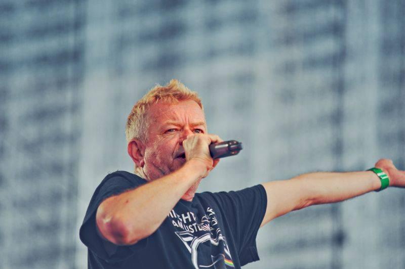 TOP 7 koncertů festivalu Mezi ploty: Tomáš Klus šplhal Do nebe, Lenka Dusilová slíbila novou desku