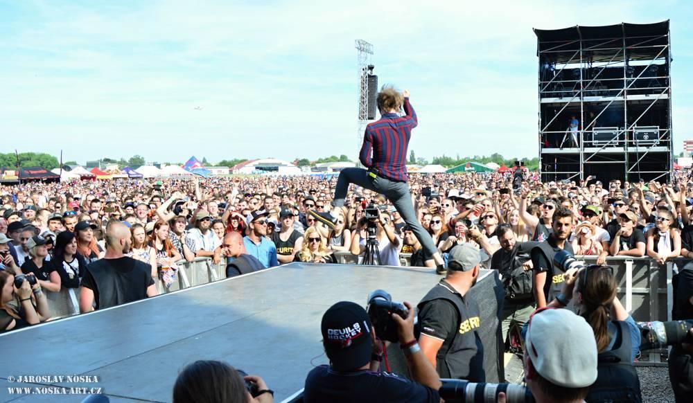 LIVE: Linkin Park v Praze dokázali, že stále kralují pódiím. Aerodrome festival jim ležel u nohou