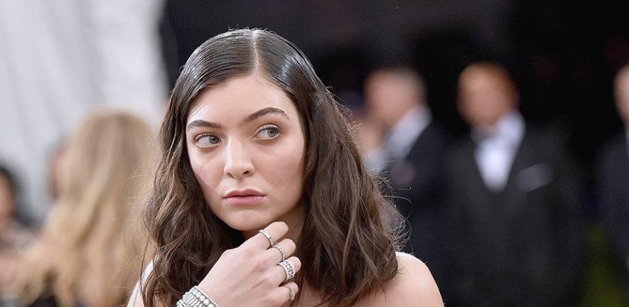 RECENZE: Lorde znovu přišla, nahrála a zvítězila
