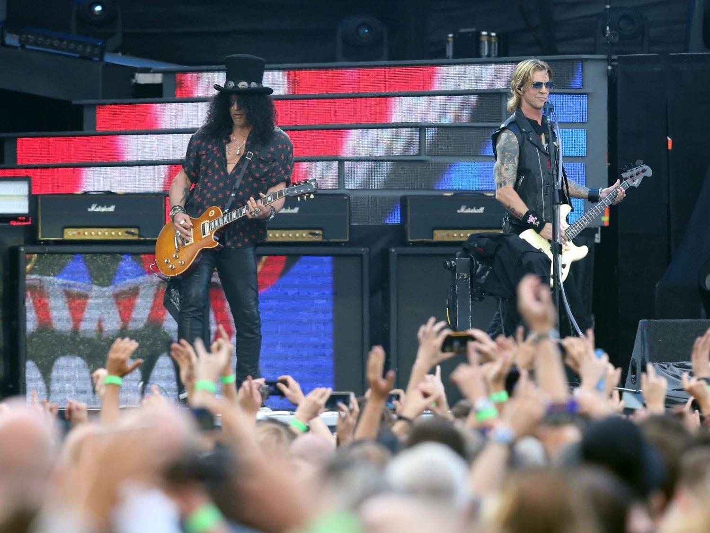 LIVE: Guns N' Roses v Praze aneb Rockoví mohykáni uctívají rockové mohykány