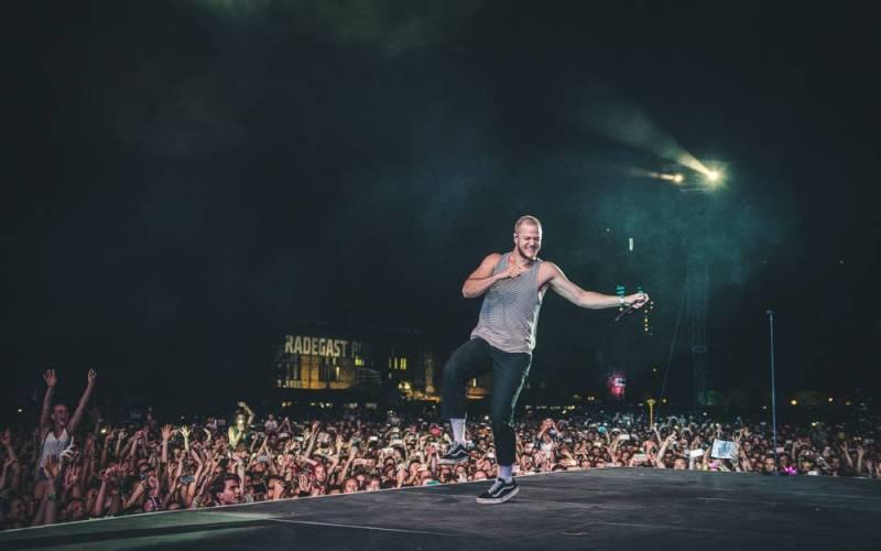 LIVE: Colours of Ostrava zahájila na hlavním pódiu ledová princezna Birdy, vrchol dne obstarali Imagine Dragons