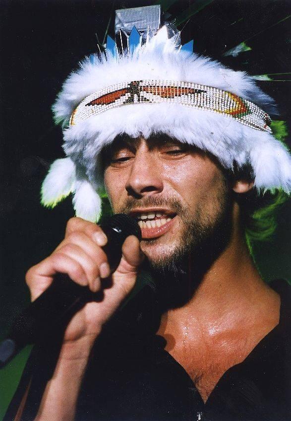 RETRO: Koncert Jamiroquai v Praze v roce 2002 připomínal diskotéku, předskakovali Monkey Business