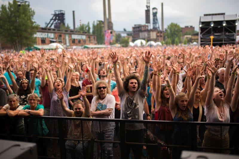 LIVE: Závěrečný den Colours Of Ostrava v rytmu funku s Jamiroquai i elektronických hvězd Justice
