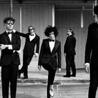 RECENZE: Studna hudební kreativity Arcade Fire vysychá