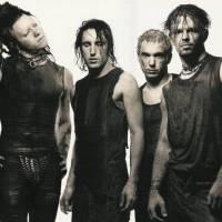 RECENZE: Nine Inch Nails na pokračování, děsivě klidní a temní