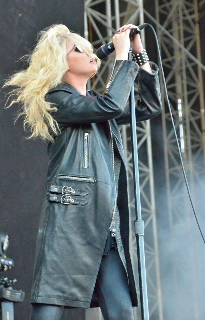 LIVE: The Offspring si na Frequency hráli na hasiče, objevem byl JP Cooper