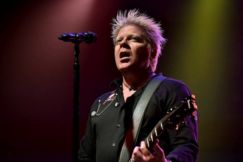 LIVE: Offspring rozjeli svou punkovou smršť v sauně pražské Malé sportovní haly