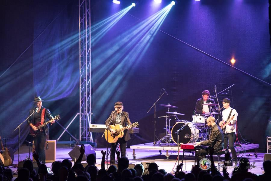 LIVE: Miro Žbirka, Katarína Knechtová a Ondřej Ruml zpívali v jedinečné atmosféře na Lokti