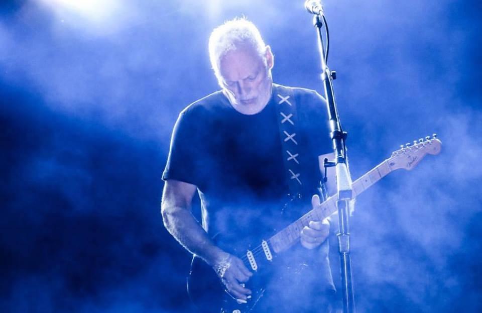 RECENZE: David Gilmour na velkém plátně - Návrat kytarové legendy do Pompejí