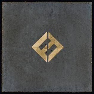 RECENZE: Foo Fighters i z mála dělají zemětřesení