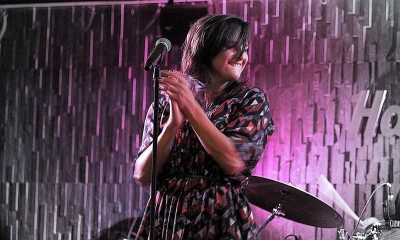 LIVE: Jana Kirschner v Hard Rock Café oprášila hity a podpořila tak boj proti rakovině