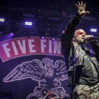 LIVE: Five Finger Death Punch v Praze fanoušky strhli svou energií