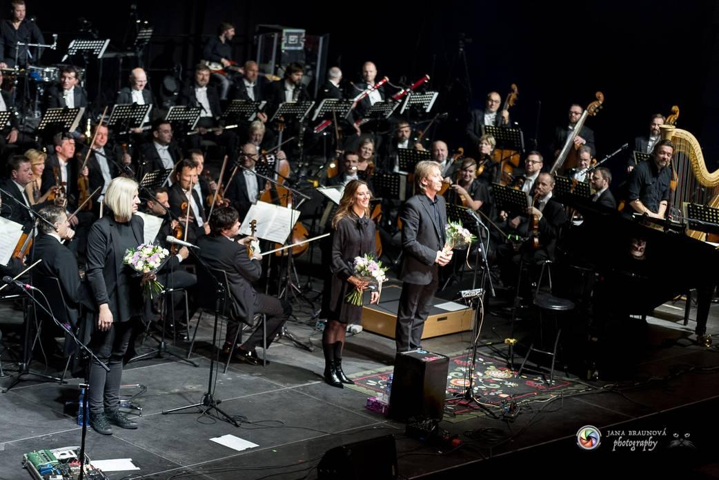 LIVE: Aneta Langerová nechala své písně rozkvést v doprovodu symfonického orchestru