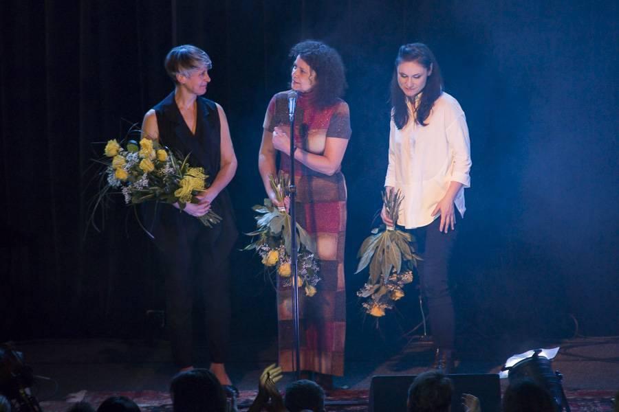 LIVE: Iva Bittová, Lenka Dusilová a Monika Načeva - mezi elektronikou a šamanismem