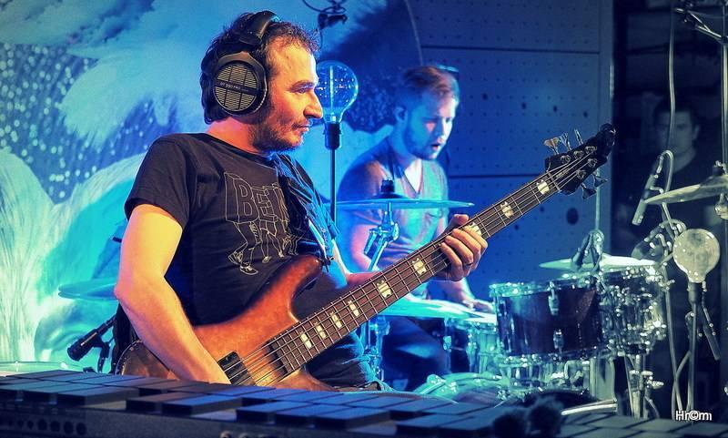 LIVE: David Koller se zabydlel v Jazz Docku, vyprodal čtyři akustické koncerty