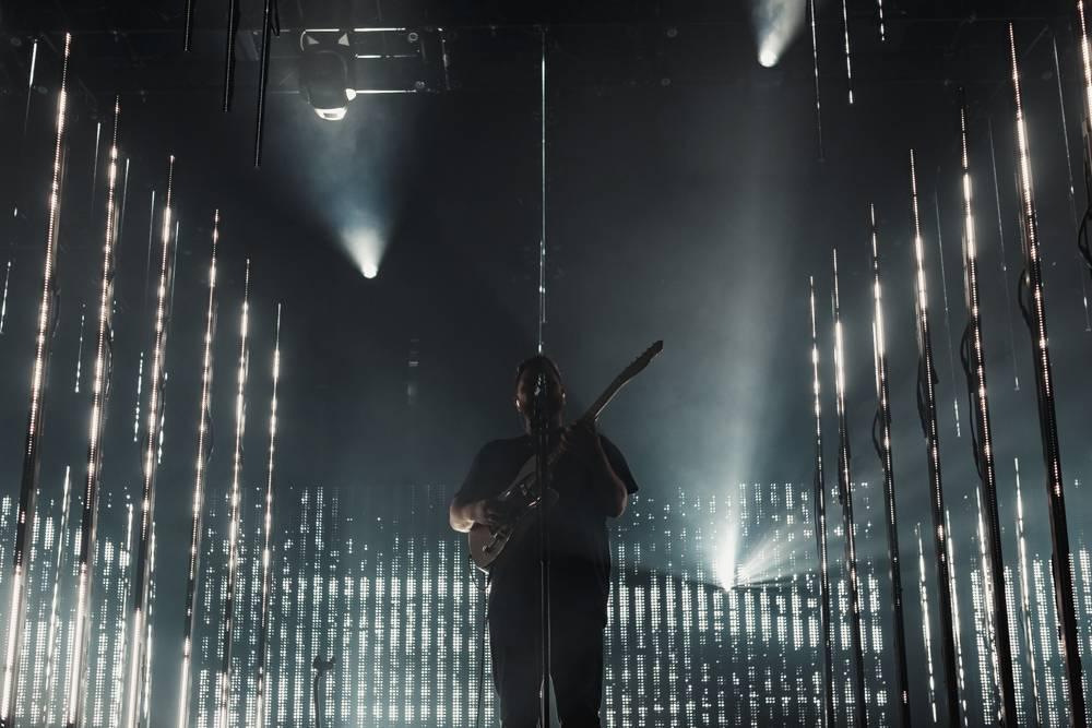 LIVE: Výkon Alt-J ve vyprodaném Foru Karlín srážel zpěv