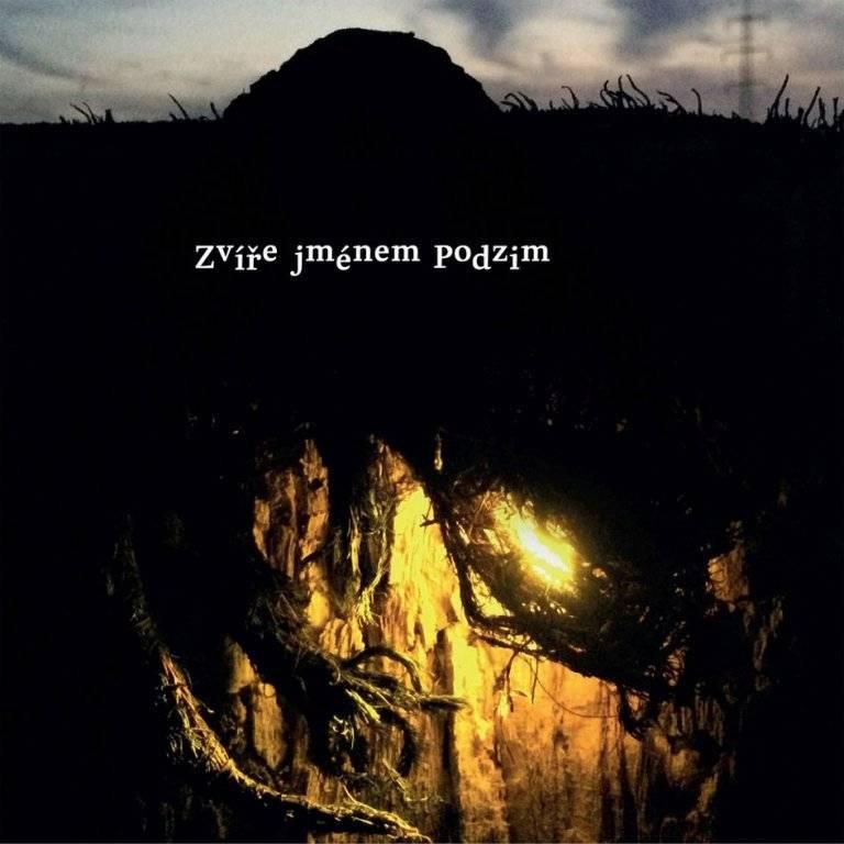 RECENZE: Zvíře jménem Podzim - o temnotě s nadějí a zábleskem světla