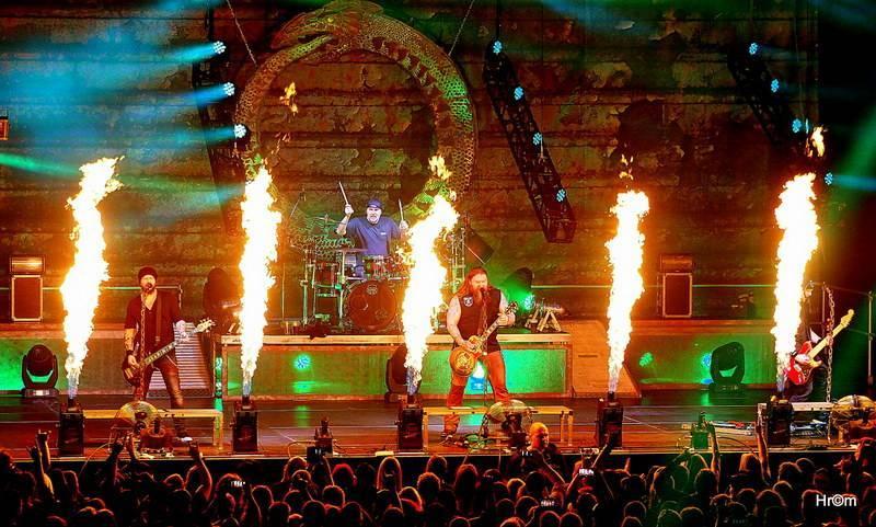 LIVE: Vyvolenej a dokonalej Škwor rozpálil plzeňské fanoušky