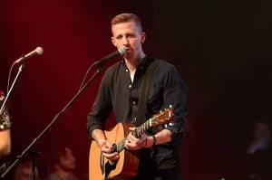LIVE: Pekař si na pražském koncertě vystřihl Hříšný tanec