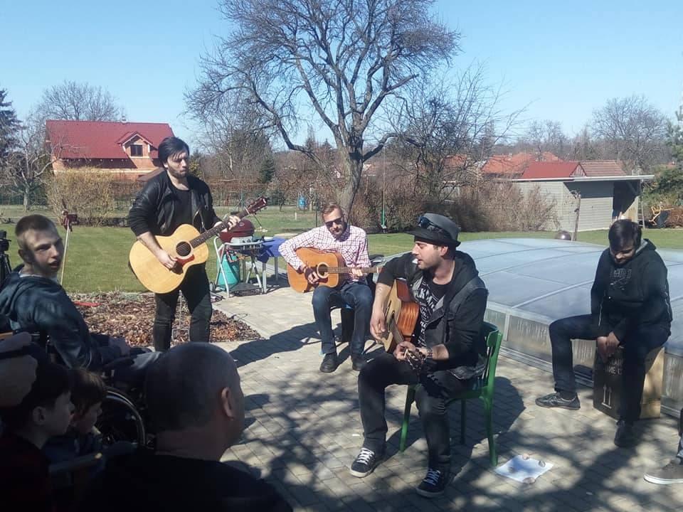 LIVE: Imodium navázali na tradici Bytového turné, vzpomínali i na Wabiho Daňka