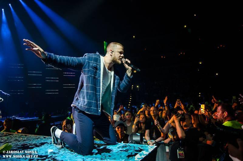 LIVE: Imagine Dragons zpět v O2 areně - energická show a nové hity