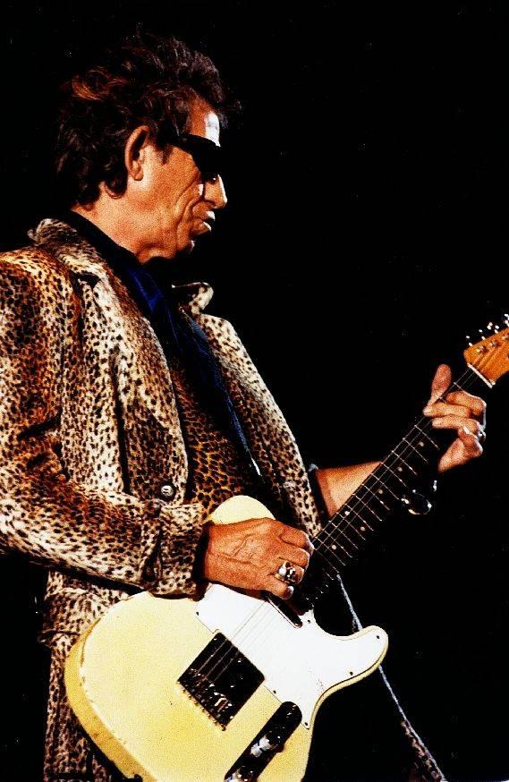 RETRO: Rolling Stones v Praze potřetí - Ve Sportovní hale Mick Jagger šetřil s převleky