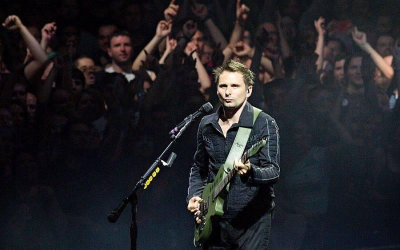 RECENZE: Muse v kinech fungují hlavně na fanoušky, kteří jejich skvělou živou show ještě neviděli