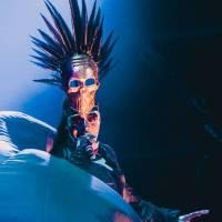 LIVE: Finále Colours Of Ostrava - módní přehlídka Grace Jones i velkolepá vizuální show Kyga