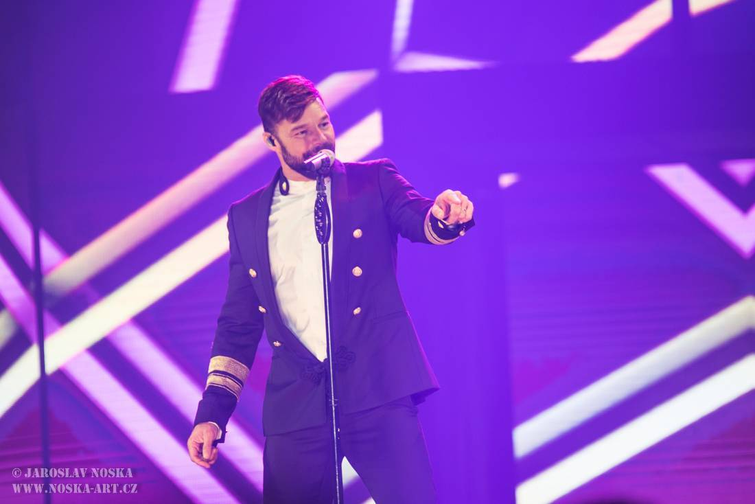 LIVE: Ricky Martin nechal v O2 areně své srdce