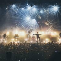 LIVE: Co slíbili, to dodrželi. Parkway Drive předvedli ve Foru Karlín svou největší show