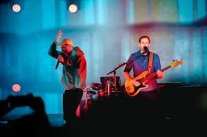LIVE: Bastille ve Foru Karlín šířili světonázory i radost